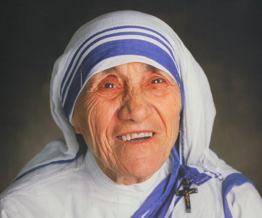 Mother teresa life story summary